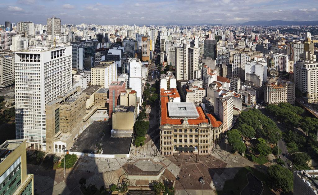 Foto de AGÊNCIA CENTRAL E CENTRO CULTURAL CORREIOS SÃO PAULO, 1997 - UnaMunizViegas