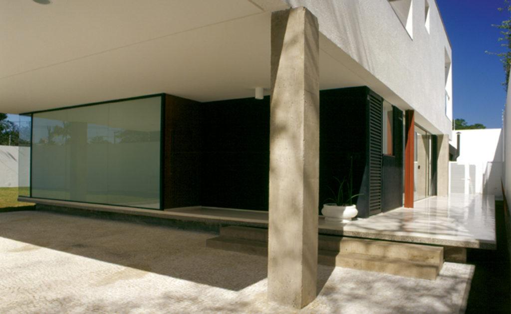 Foto de CASA NO ALTO DE PINHEIROS, 2003 - UnaMunizViegas