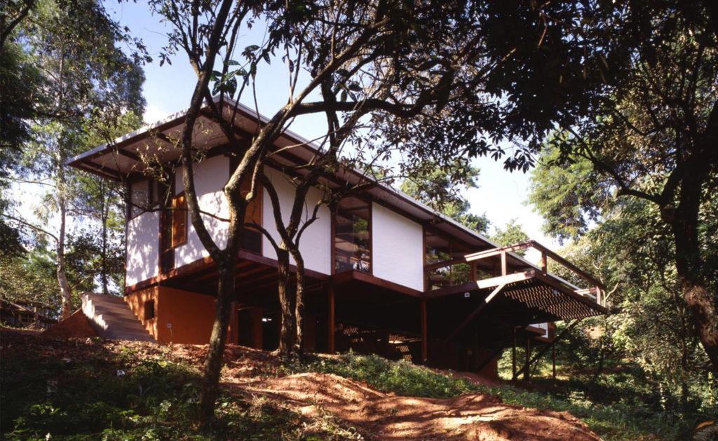 Foto de CASA EM CARAPICUÍBA, 1997 - UnaMunizViegas