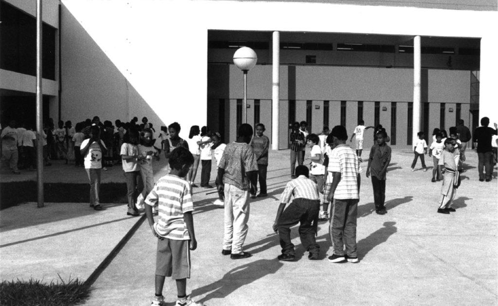 Foto de ESCOLA EM POÁ, 1997 - UnaMunizViegas