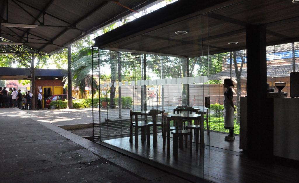 Foto de CAFÉ ESTAÇÃO CIÊNCIA, 2004 - UnaMunizViegas